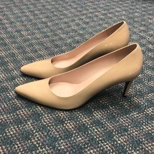 Stuart Weitzman nude pointed toe pumps